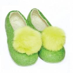 Войлочные тапочки зеленые с желтым помпоном. Размер 40