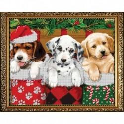 'Новогодние щенки' 30x24см набор на атласе для вышивания чешским бисером 'Вышивочка' в коробке ВЛ-039