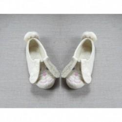Тапочки «Зайцы вислоухие» натурально белого цвета. Размер 18 см