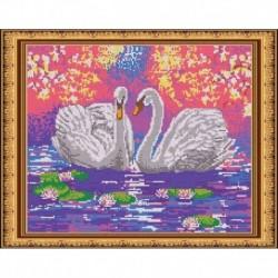 «Светлица» набор для вышивания бисером №530П «Пара лебедей» бисер Чехия 38x30см